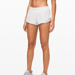 Lululemon white hotty hot shorts! Sz 4